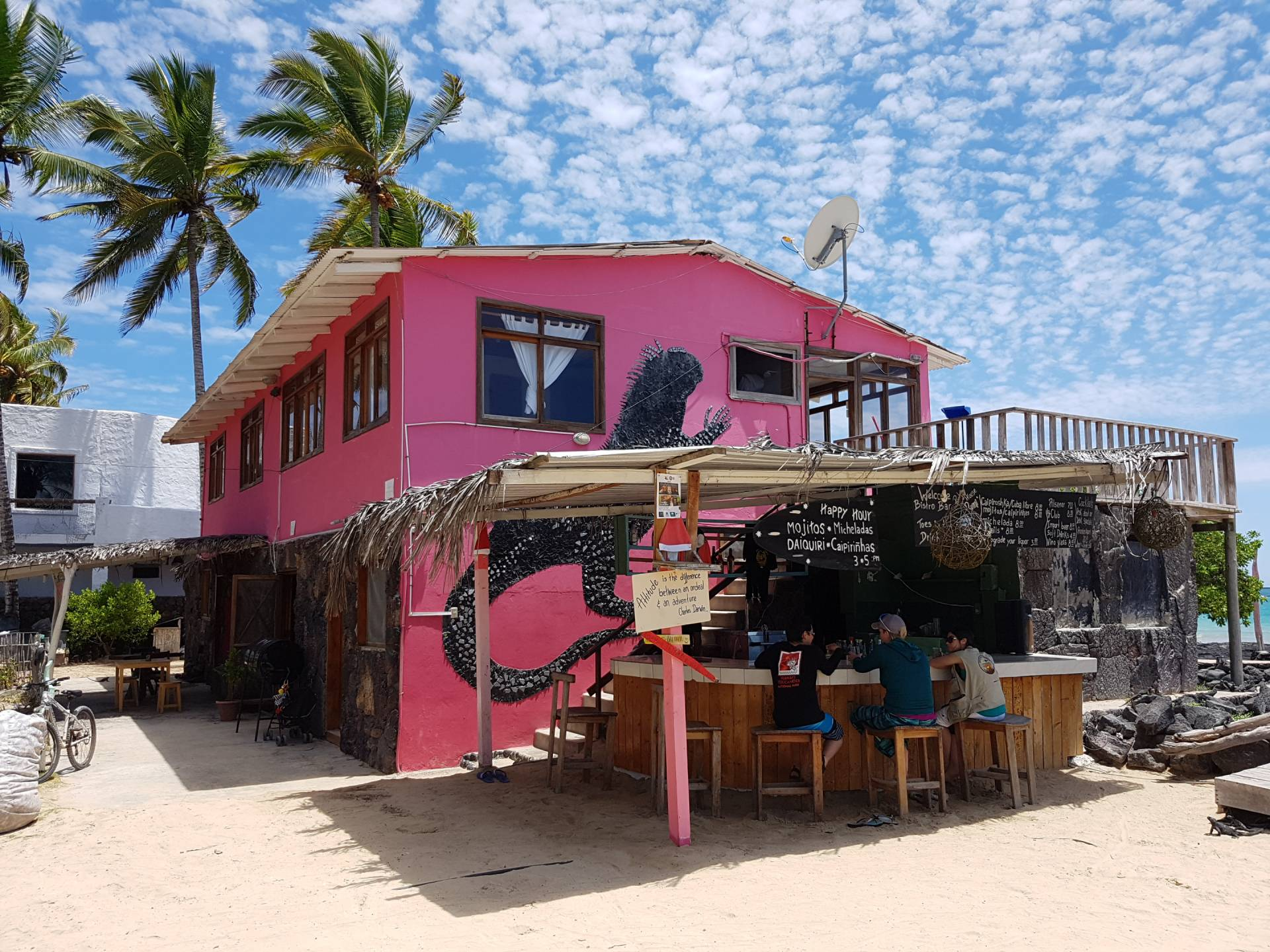 Die beste Strandbar auf Galapagos - Das Casa Rosada auf Isabela