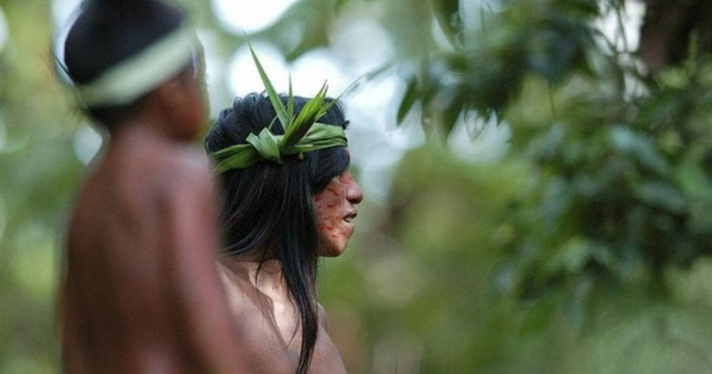 Galapagos PRO Ecuador Reisen durch das Amazonas Tiefland Treffen aus Indios