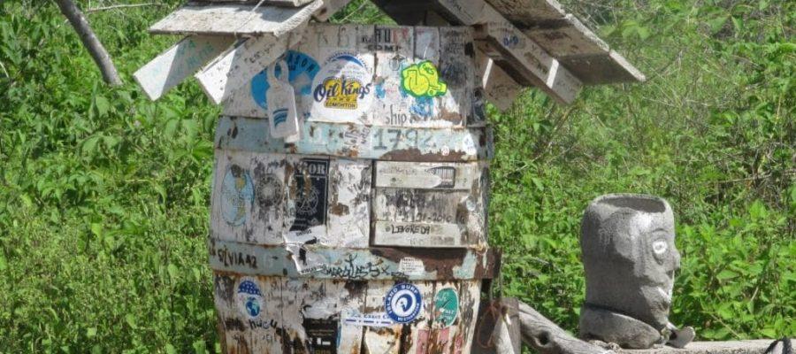 Entdecken Sie die sehr geschichtsträchtige Post Office Bay auf der Galapagos-Insel Floreana