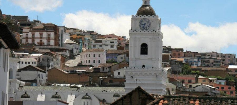 Blick auf die wunderschöne Altstadt von Quito, Ecuador - Reisen im Garten Eden
