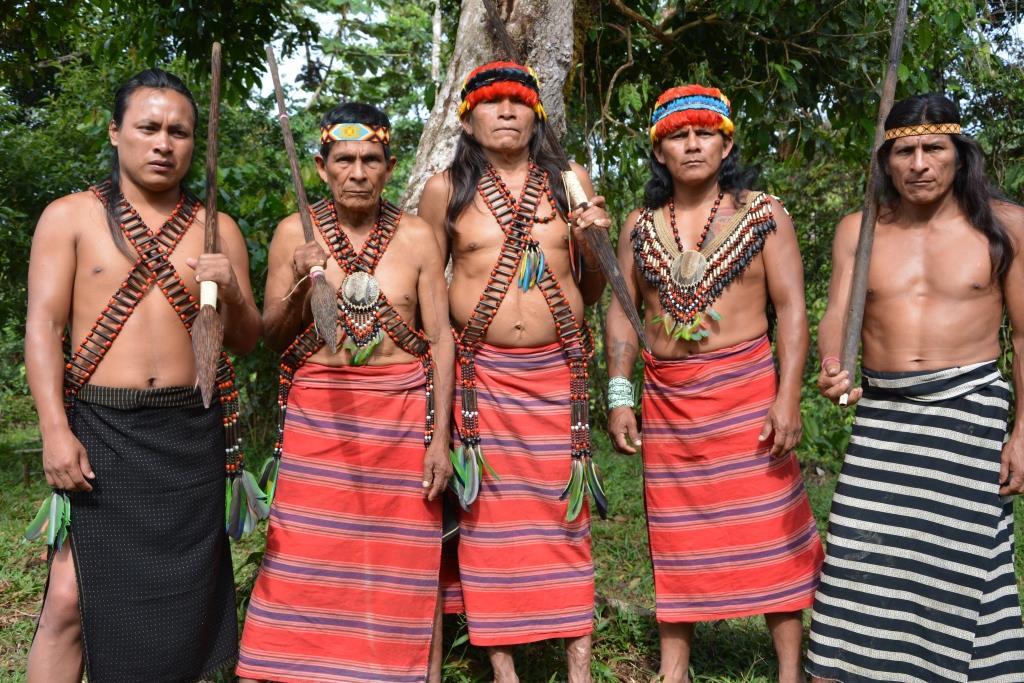 Galapagos PRO - Der Shuar Stamm zeigt Besuchern gerne seine traditionelle Lebensweise