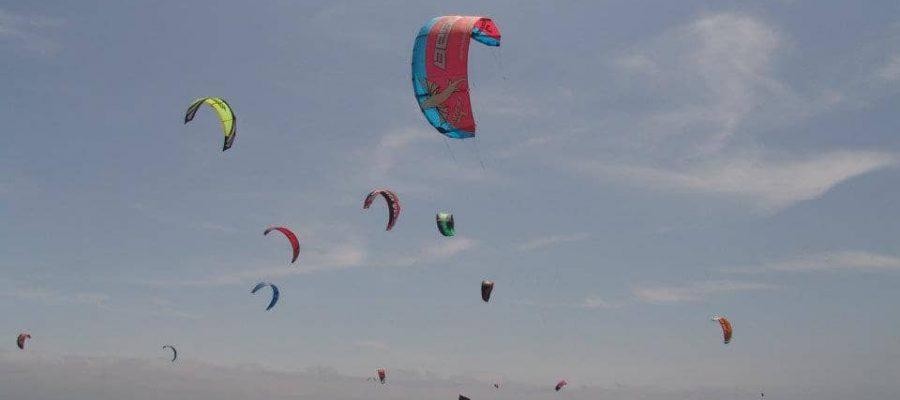 Zum Kite surfen an die Küste - Ecuador-Reisen – Küste und Traumstrände entdecken
