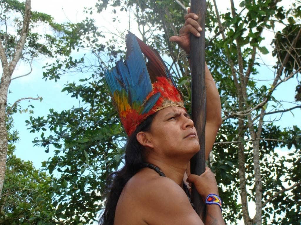 Der Shuar Schamane Tzama Estalin Tzamarenda - die beste Reisezeit Ecuador und Galapagos-Inseln