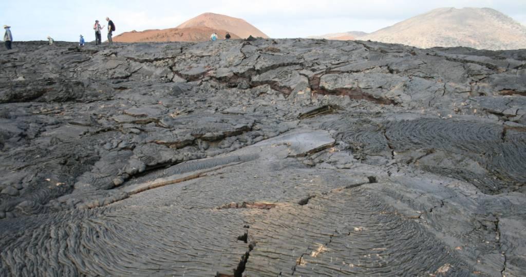 Wanderung über die bizarren Lavafelder der Galapagos-Insel Santiago