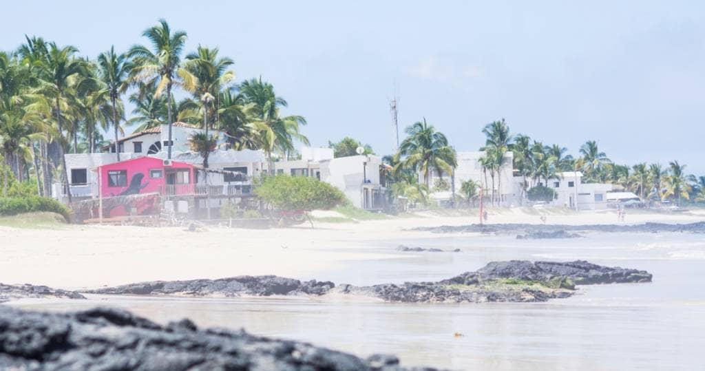 Kleine Strandhotels auf der Galapagos-Insel Isabela