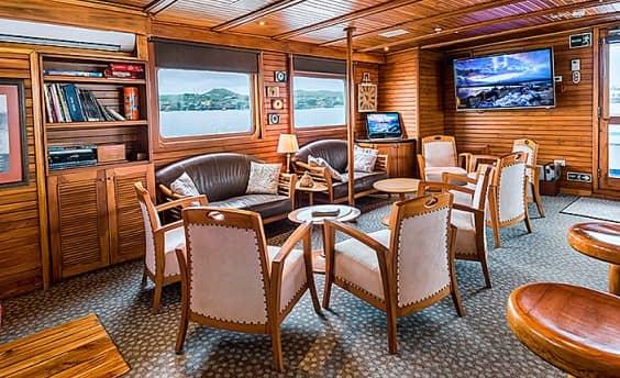 galapagos-pro-coral-ii-lounge