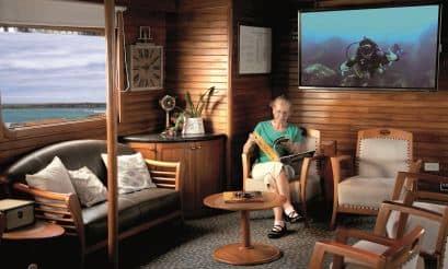 Galapagos PRO Coral II lounge