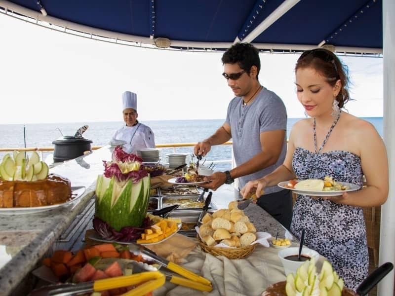 Galapagos cruise Isabela II Buffet