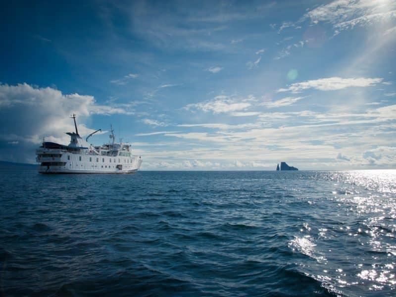 Galapagos PRO La Pinta at sea