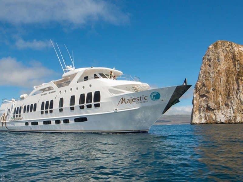 Galapagos PRO Majestic ship