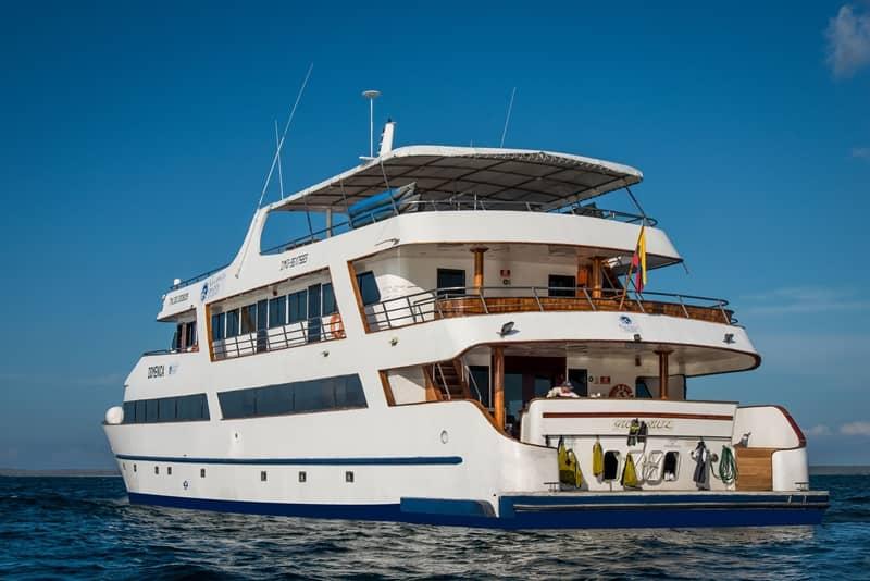 Galapagos PRO seastar journey ship