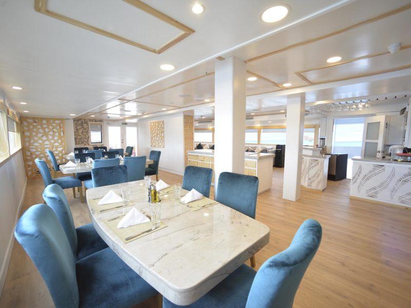 Galapagos cruise Seastar Journey dining
