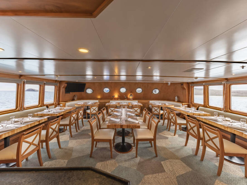 Restaurant auf Galapagos Kreuzfahrt Koral I & II