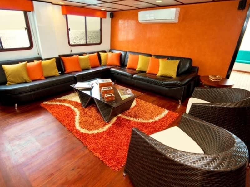 Galapagos-PRO-Luxuskatamaran-Anahí-Lounge