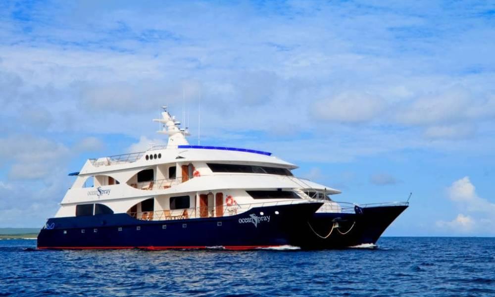 """Eine spektakuläre Galapagos Kreuzfahrt auf der """"Ocean Spray"""" erleben - Ecuador & Galapagos Luxus-Reisen"""
