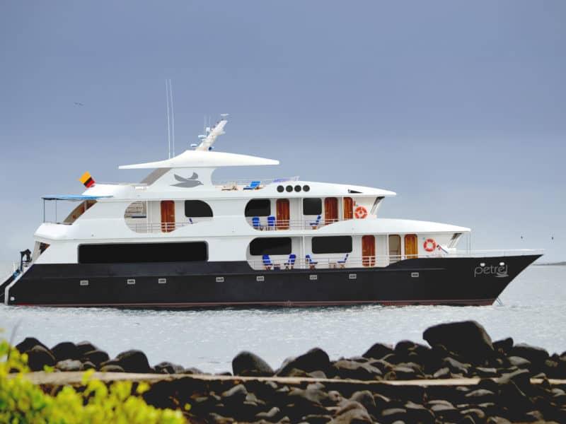 """Mit dem Luxuskatamaran """"Petrel"""" die Galapagos Inseln erforschen"""