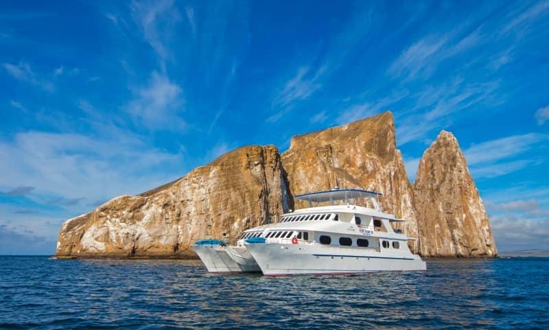 """Mit dem Motorkatamaran """"Tip Top II"""" die Galapagos Inseln entdecken"""