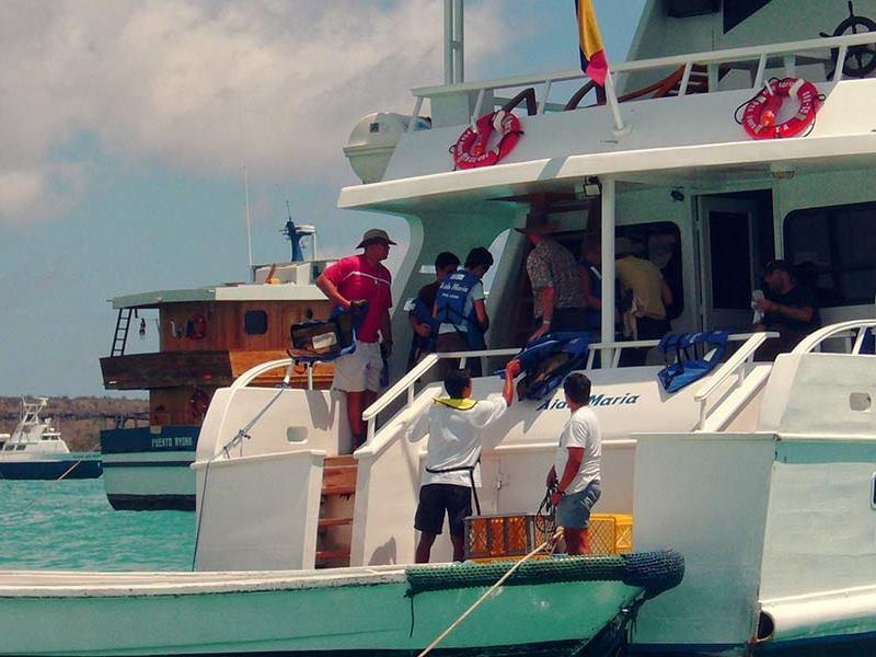 Galapagos-PRO-Touristenklasse-Yacht-Aida-Maria-Ausflüge