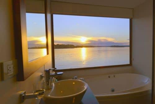 Badezimmer auf der M/V Anakonda