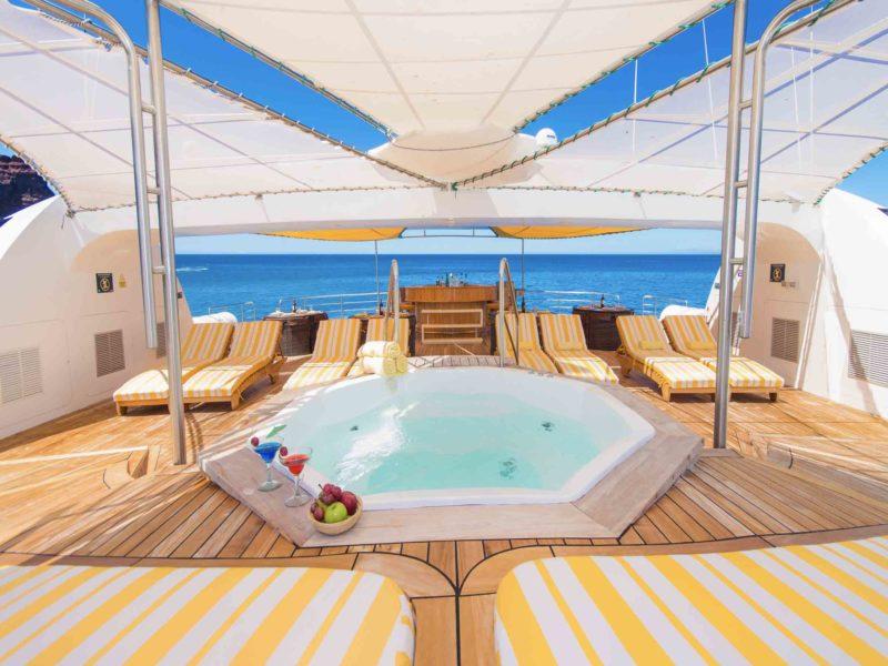 Galapagos cruise Petrel jacuzzi