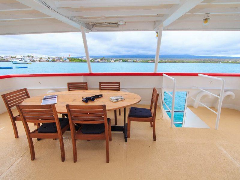 Galapagos-Kreuzfahrt auf der Cachalote Explorer mit Ausblick vom Unterdeck