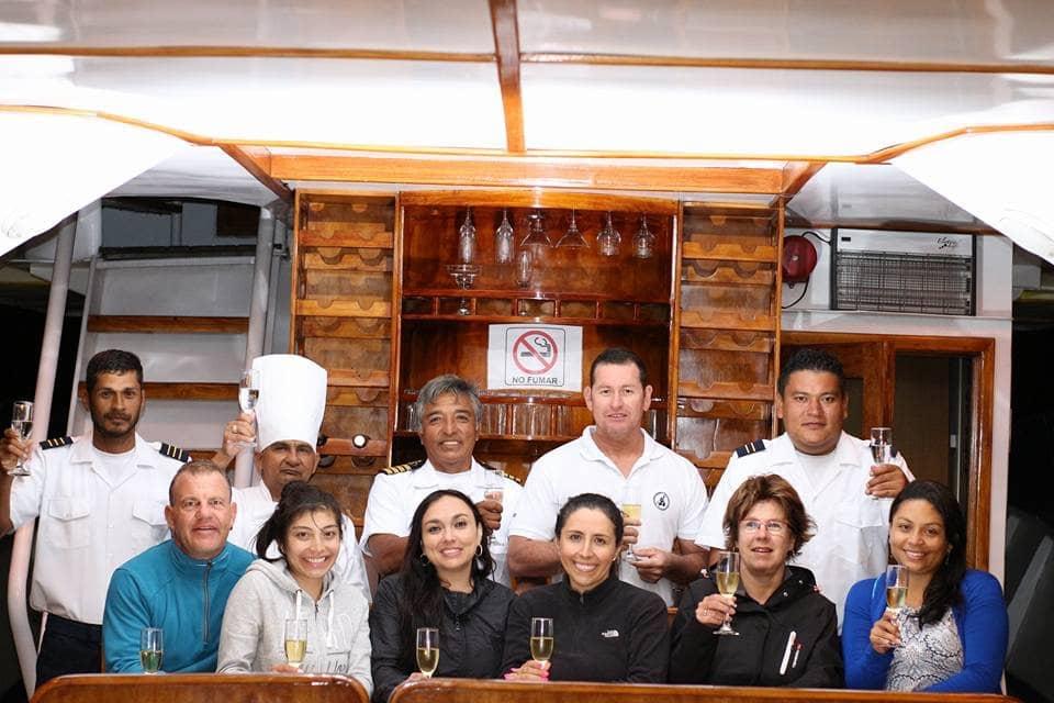Das nette und zuvorkommende Team auf der Galapagos-Kreuzfahrt Danubio Azul