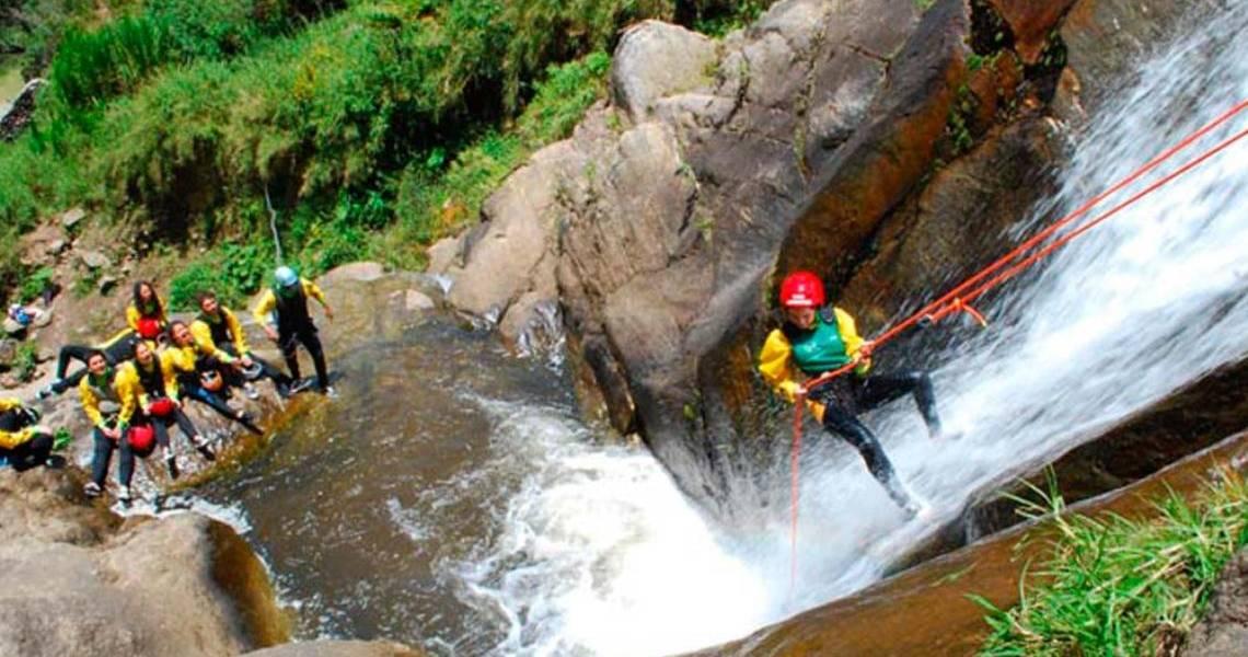 Klettertouren den Wasserfall hinab - Ecuador Reisen - Aktivtouren und Abenteuer