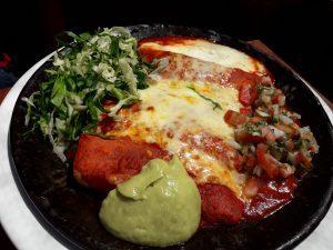 Köstliche mexikanische Gerichte im kleinen Restaurant La Fonda del Parque in Quito