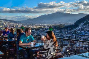 Atemberaubender Blick vom Cafe Mosaico auf Quito