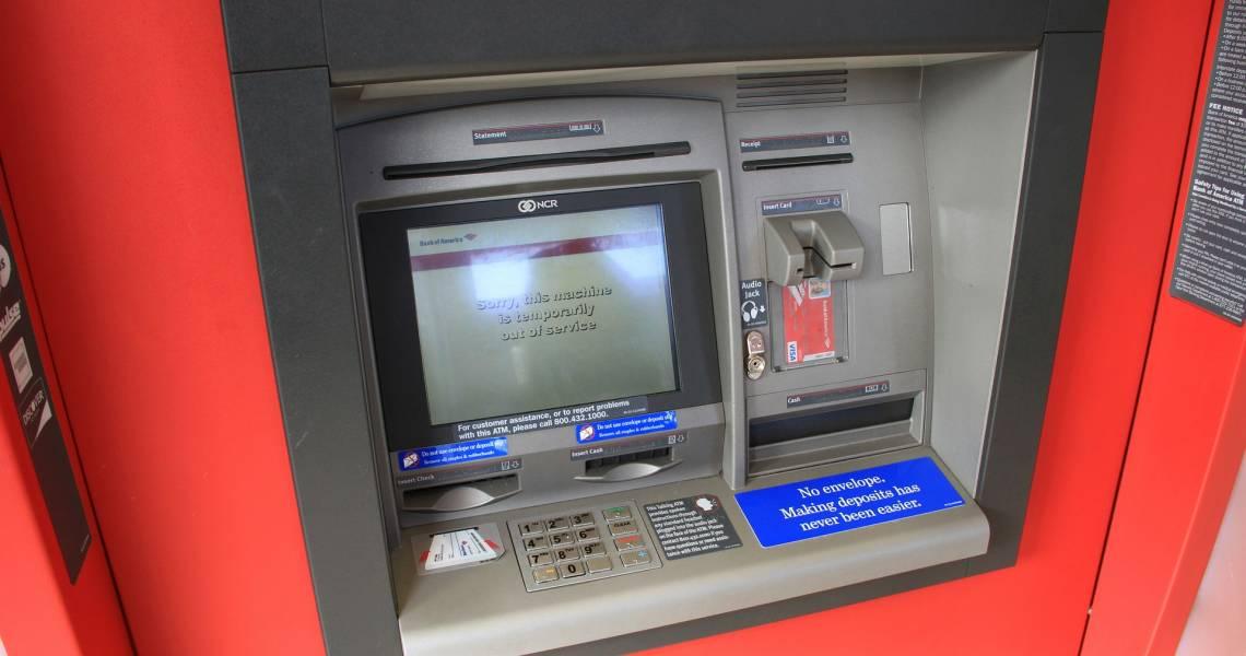 Cash am Automaten - Shopping- und Einkaufsmöglichkeiten in Ecuador und auf den Galapagos-Inseln