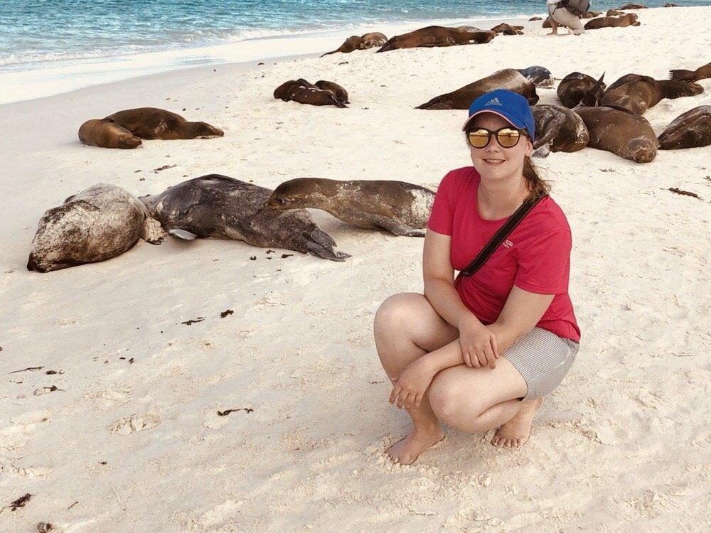 Unsere Galapagos PRO Kundenberaterin Nadine Rodinger in der Gardener Bay auf der Insel Española