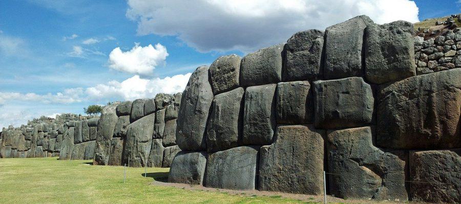 Die beeindruckenden Ruinen von Sacsayhuaman - Top 10 Sehenswürdigkeiten im Hochland Perus