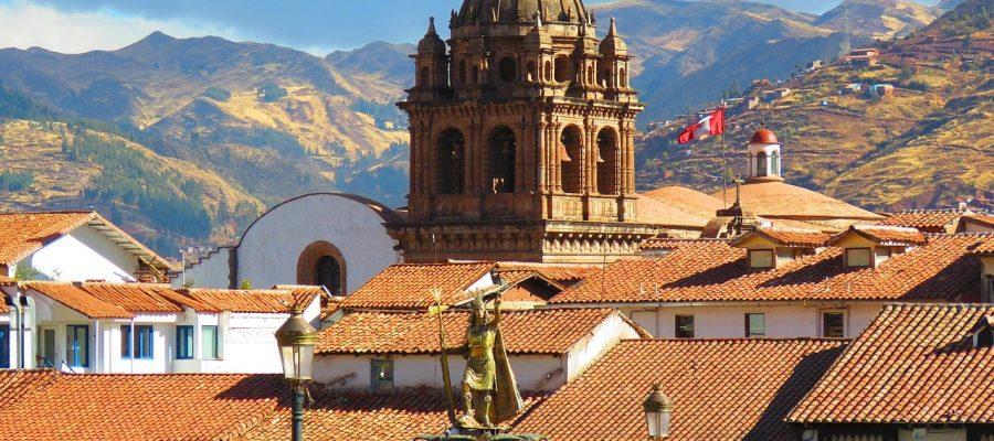 Die Berg sind nicht weit von Cusco - Top 10 Sehenswürdigkeiten im Hochland Perus