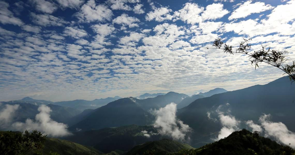 Tolle Ausblicke auf den ecuadorianischen Bergnebelwald - Reisen im Garten Eden