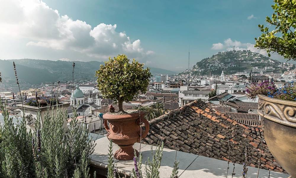 Blick von der Dachterrasse der Villa Colonna - Ecuador & Galapagos Luxus-Reisen