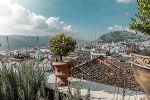 Atembraubende Aussichten über die Dächer von Quito - Das wunderschöne Hotel Villa Colonna in Quito
