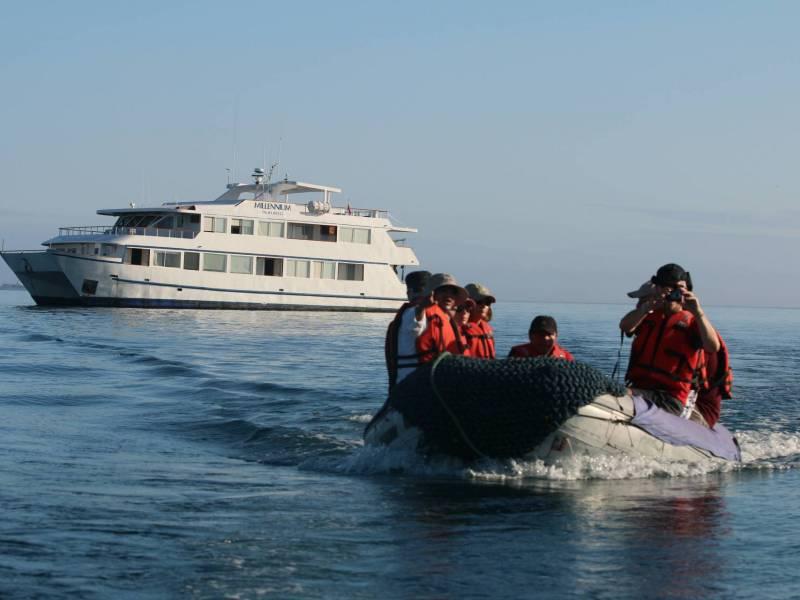 Galapagos Kreuzfahrt - Millenium Ausflüge mit dem Schlauchboot