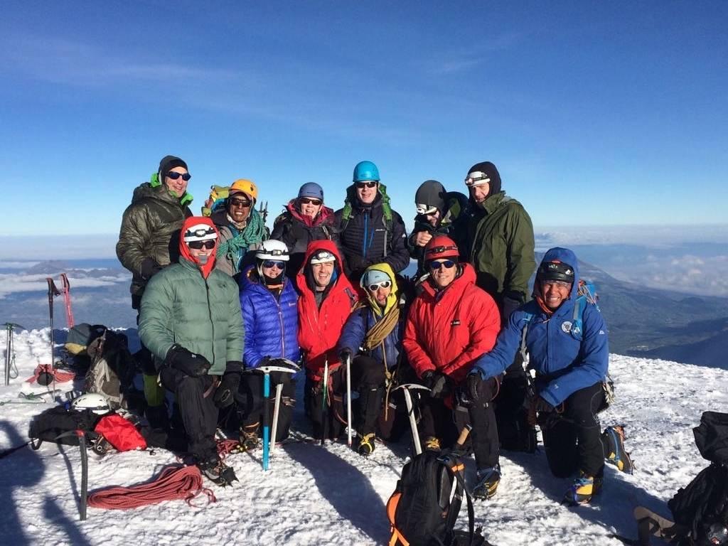 Ecuador Reisen Bergsteigen - mit professioneller Ausrüstung zum Gipfel