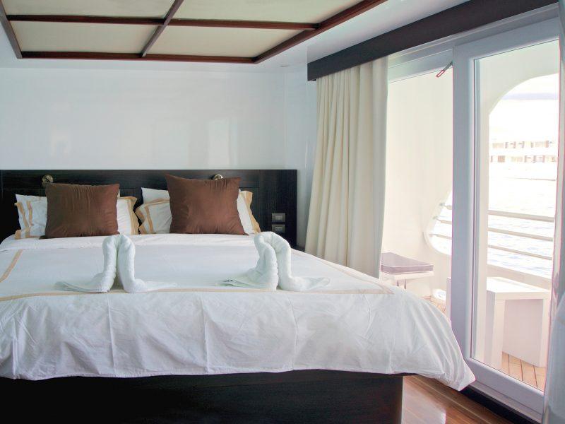 Suite mit Balkon auf dem Katamaran Cormorant