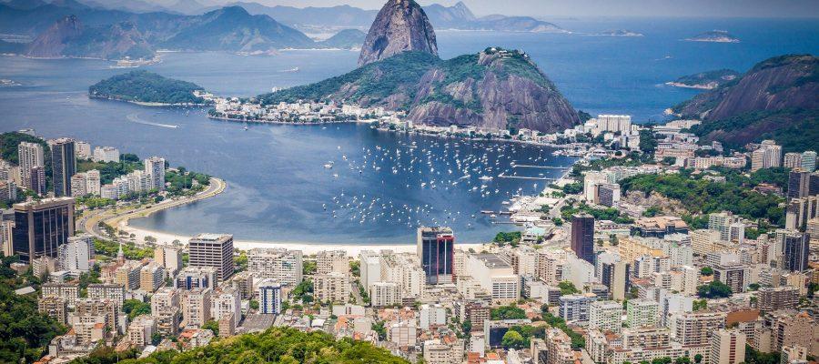 Während einer Südamerika Reise einen atemberaubenden Blick auf den Zuckerhut genießen