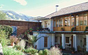 Der idyllische Garten der Wantara Suites in Quito