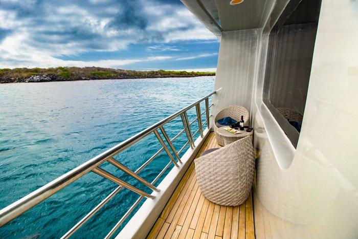 Galapagos-Kreuzfahrt - Blick von der Balkonkabine des Trimarans Camila