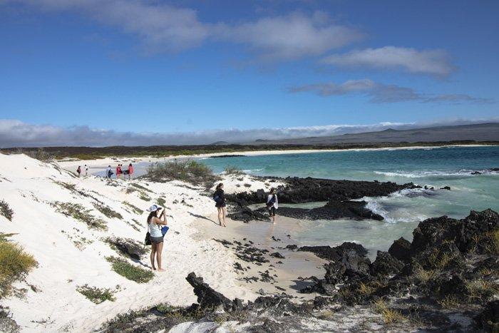 Galapagos Kreuzfahrt - entdecken Sie die schönsten Strände bei den Ausflügen des Trimarans Camila