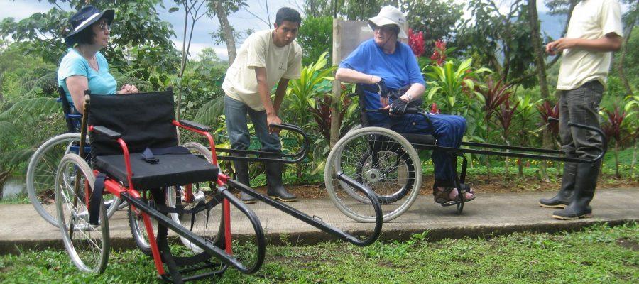 Spezialrollstühle für die barrierfreie Reise auf den Galapagos-Inseln