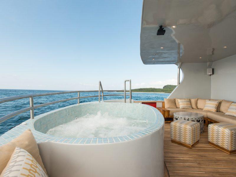 Galapagos-Kreuzfahrt Origin - Entspannen Sie im Whirlpool