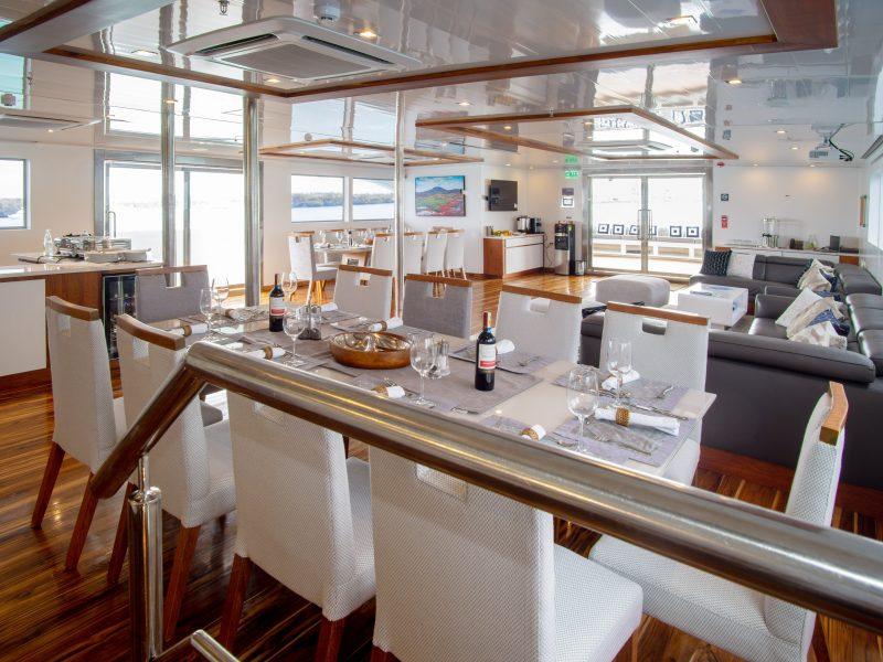 Galapagos-Kreuzfahrt Infinity - Speise- & Loungebereich