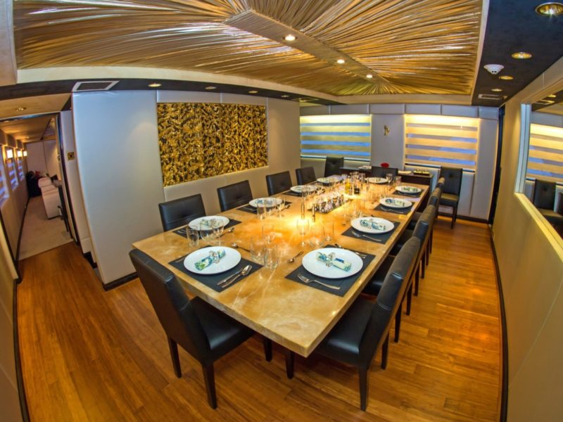 Galapagso cruise Passion dining room