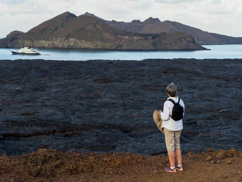 Galapagos-Kreuzfahrt Evolution - Fahrt zum Pinnacle Rock der Galapagos-Insel Bartolomé
