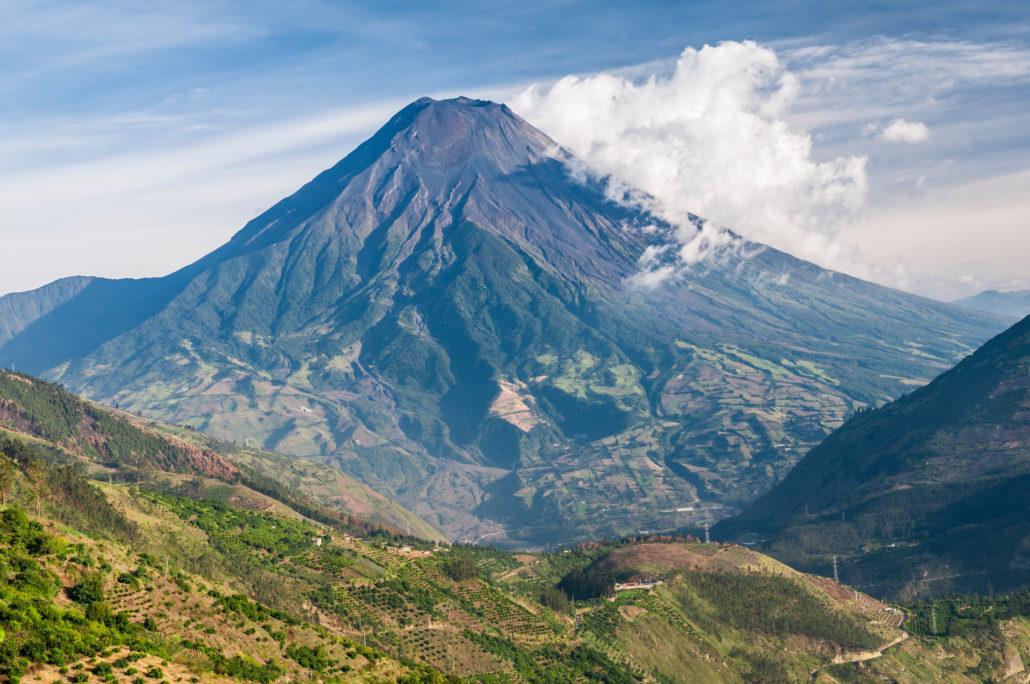 Galapagos-Pro bringt Sie zum Vulkan Tungurahua in den Anden Ecuadors