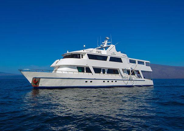 Neue Tauchsafari auf der Galapagos-Kreuzfahrt Blue Spirit Außen mit Galapagos-Pro
